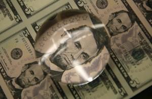 Ảnh của Đồng Đô la giảm khi Powell giữ quan điểm cần tiếp tục nới lỏng chính sách