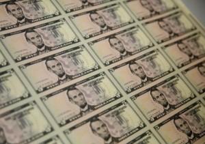 Ảnh của Đô la leo lên mức cao nhất trong nhiều tháng; Lo ngại về Covid 19 khiến các nhà đầu tư thận trọng
