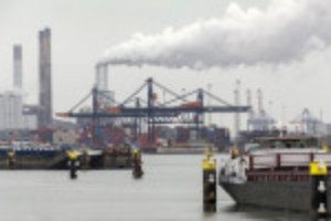Picture of Port of Rotterdam freight volumes rise as trade recovers
