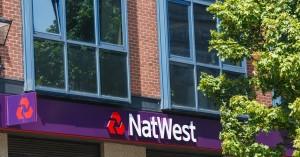 Ảnh của NatWest bị lên án tự ý quyết định cách tiêu tiền của khách hàng sau khi chặn các giao dịch thẻ tín dụng và thẻ ghi nợ với Binance
