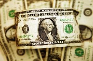 Ảnh của Đồng Đô la giảm giá nhưng gần mức cao nhất 3 tuần sau dữ liệu tích cực của Mỹ