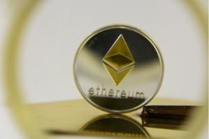 Ảnh của Ethereum giao dịch trong sắc đỏ, giảm 11%