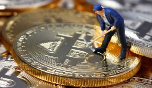 Picture of Bitcoin Falls, but Expert Sees Rebound on Horizon