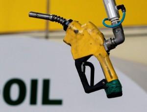 Picture of Oil rises on big decline in U.S. crude stocks