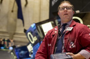 Picture of S&P 500 Slips as Tech Stumble Offsets Surge in Energy, Financials
