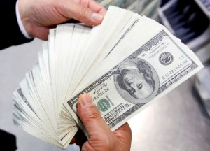 Picture of Dollar steadies after bounce off of one-month low