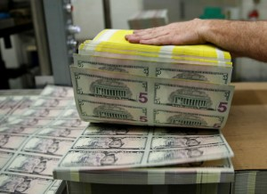 Picture of Dollar Up as Yields Rise, China Shifts Focus to Grow