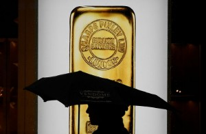 Picture of Gold Down as Dollar Inched Up, but Moves Small