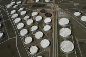 Picture of Oil drops ahead of stocks data, Iran talks