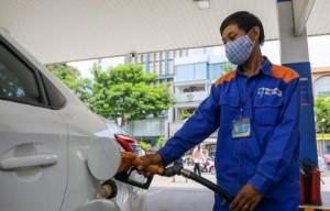 Ảnh của Giá xăng dầu đồng loạt tăng mạnh, RON95 vượt mốc 24,000 đồng/lít